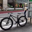 Traffic officer protects mother duck and her ducklings crossing the road at Tokyo • r/HumansBeingBros