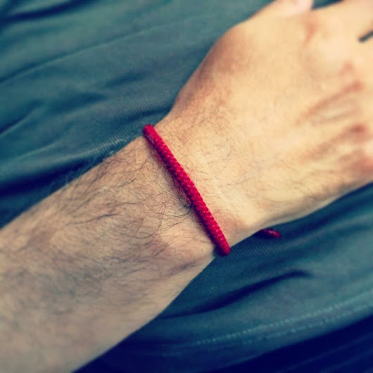 Details about  Handcrafted Classic RED FRIENDSHIP Thai Buddhist Blessed WRISTBAND Wristwear