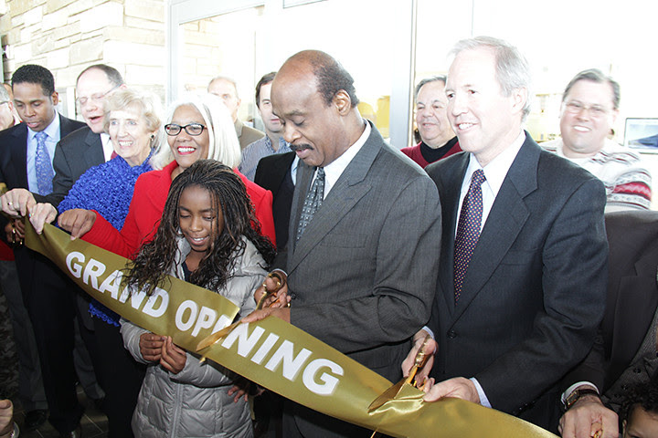 ribbon cutting at Gaithersburg Library