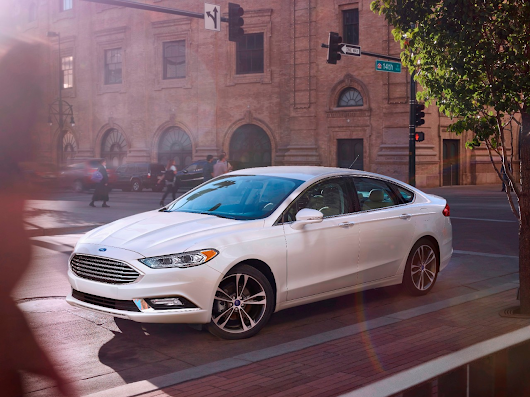 Ford Fusion Named Best Family Sedan in 2017 MotorWeek Drivers' Choice Awards | Ford Media Center