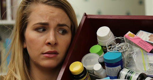 Here's How You Regain Control Over The Dreaded Junk Drawer