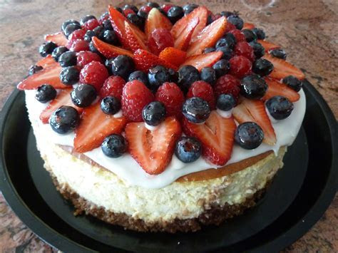 fruit decorated cheesecake   Cheesecakes   Pinterest