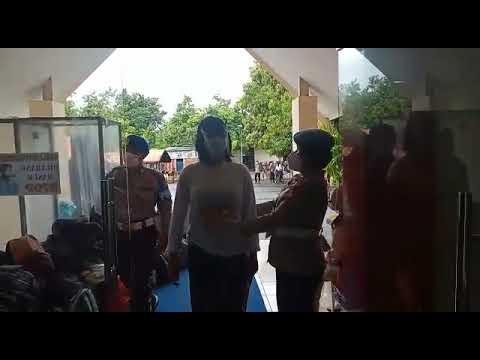 KANIT PROVOS POLDA SULSEL, LAKUKAN PEMERIKSAAN PADA CASIS BINTARA POLWAN