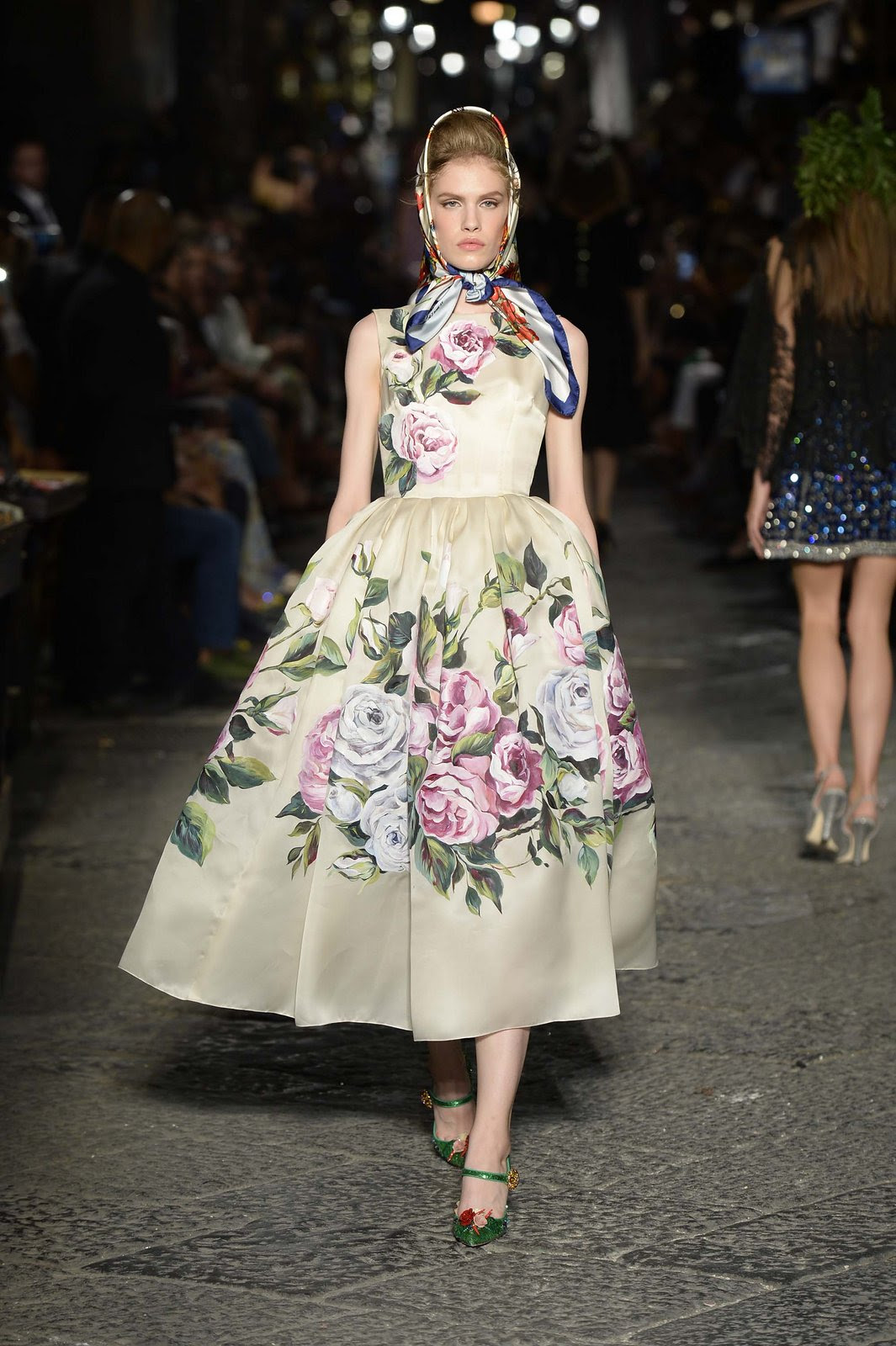 http://media.vogue.com/r/h_1600,w_1240/2016/07/09/24-dolce-and-gabbana-alta-moda-2016.jpg