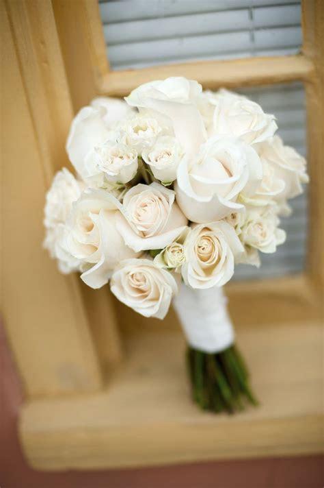 Best 25  White rose bouquet ideas on Pinterest   White