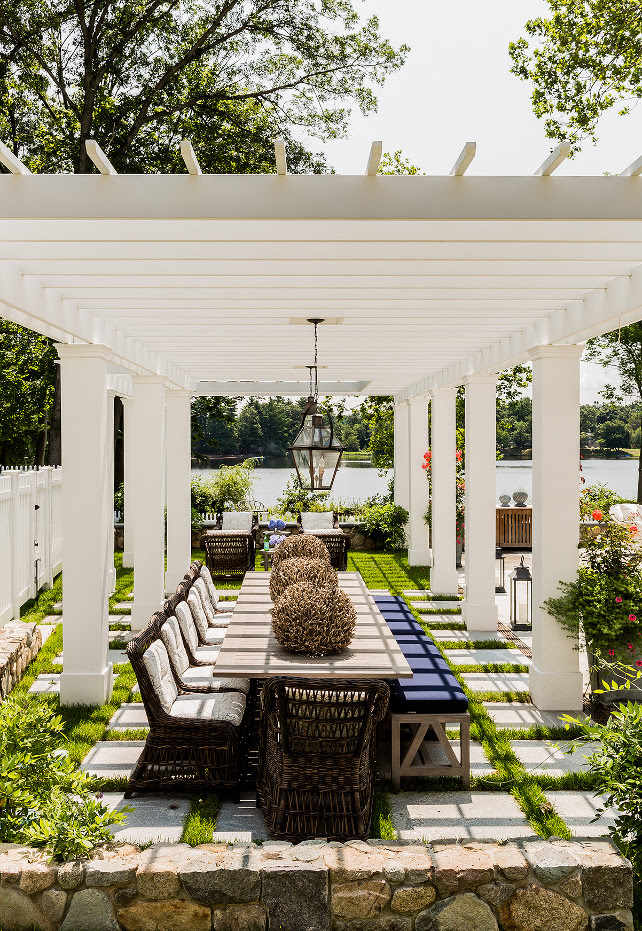 Pergola. White Pergola. Backyard with white pergola. #Pergola #WhitePergola #Backyard   Brookes and Hill Custom Builders.