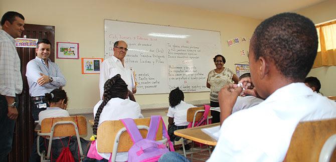 Alcaldía entrega a la comuna 7 nueva sede educativa Carlos Holguín Sardi
