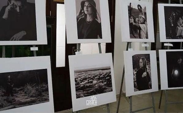 ВМагасе проходит благотворительная выставка Заура Плиева «Жизнь вчерно-белом цвете»