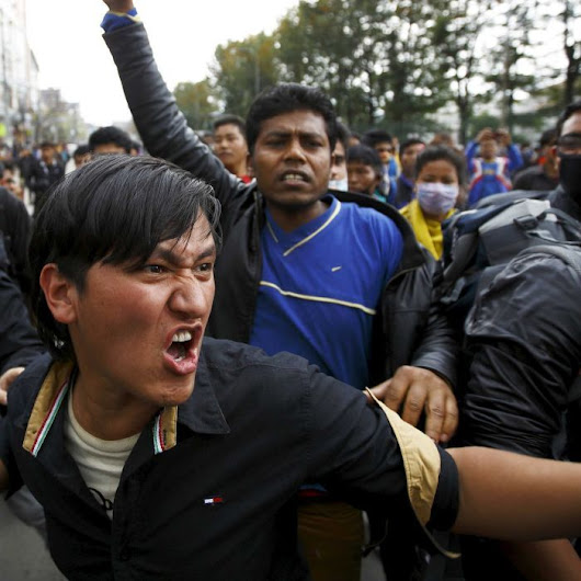 Anger builds as thousands wait for aid in Nepal