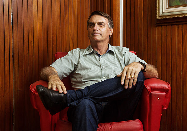 Rio de Janeiro, Rj, BRASIL. 10/03/2017; Retrato do deputado Jair Bolsonaro em clube de subtenentes e sargentos do exército na cidade do Rio de Janeiro. ( Foto: Ricardo Borges/Folhapress)