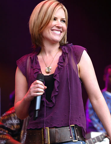 http://images.askmen.com/galleries/singer/dido/pictures/dido-picture-4.jpg