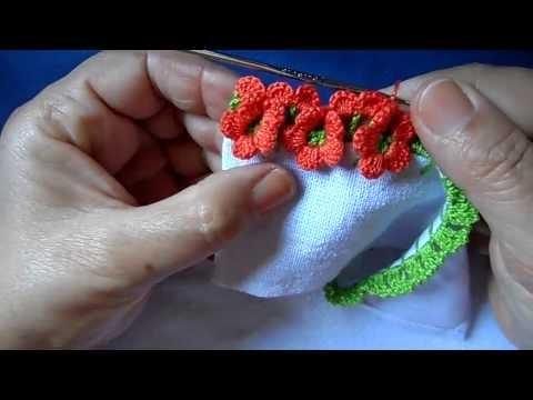 Bico em croche com florzinhas - PARA CANHOTO