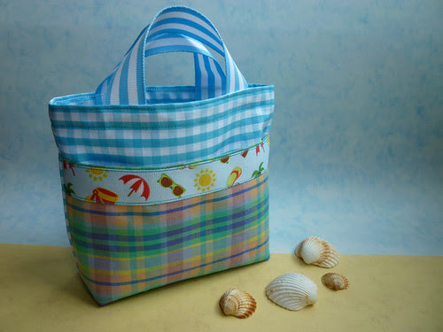 mini gingham beach bag