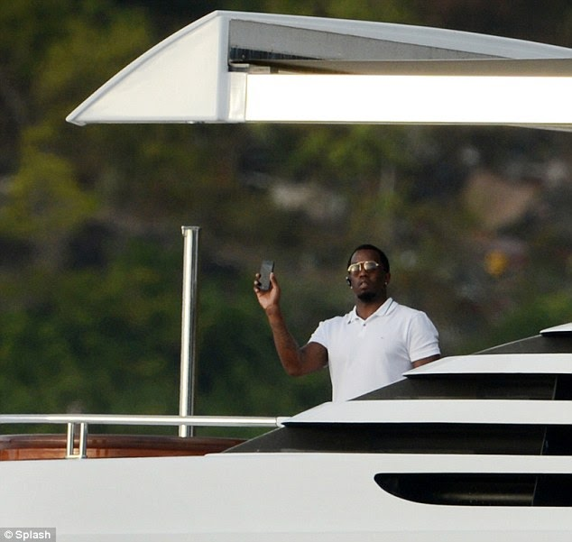 Yo DIDDY, a camera phone will not get that whole picture yacht view in.