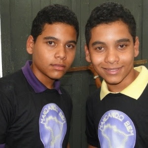 Os gêmeos Felipe e Fernando Santos participam do quadro Mandando Bem, do Caldeirão do Huck (25/6/2011)