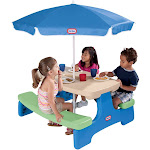 Little Tikes Easy Store Picnic Table with Umbrella - Picnic table