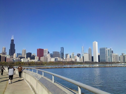 Chicago skyline from the Shedd during Hot Chocolate 15K