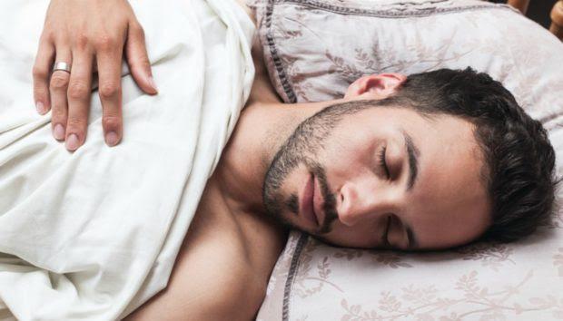 Ανδρική Υπόθεση: Αυτός Είναι ο Λόγος που Πρέπει να Κοιμάστε Γυμνοί