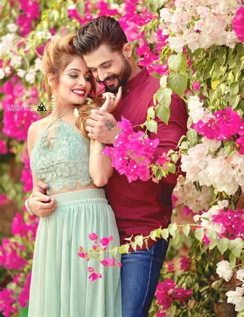 ? Qûeê??   indian couples photoshoot ideas