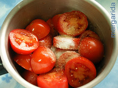 tomates, sal y aceite