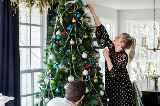 Christmas Tree Care Tips to Make Your Tree Last | Apartment Therapy
