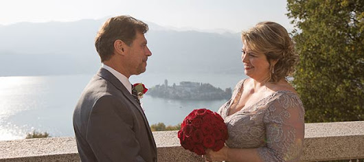 A very romantic and intimate Fall elope on Lake Orta Italy