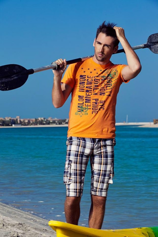 Forecast-Look-Book-Summer-Men-Outfits-2013-Fahion-of-T-Shirts-and-Pants-for-Boys-4