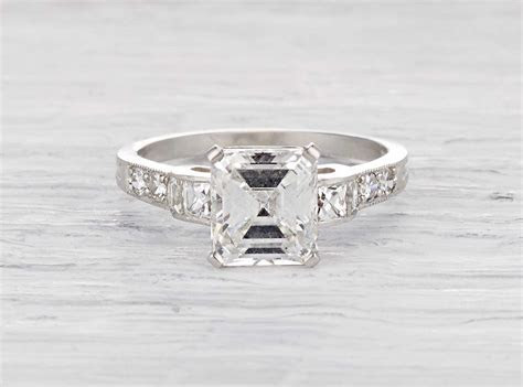 Art Deco Tiffany & Co. vintage engagement ring with a 2.03
