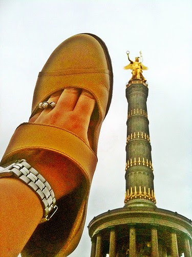 shoe per diem, july 15, 2011 - siegessäule