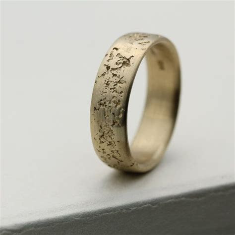 Primitive Texture Ring   Mens Wedding Ring   6mm Concrete