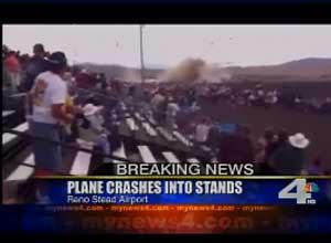 Imagem da TV local mostra o público logo após a queda do avião (Foto: Reprodução de vídeo)