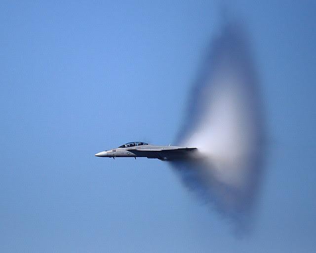 IMG_2363 F/A-18 F Super Hornet near Sound Barrier, San Francisco Fleet Week