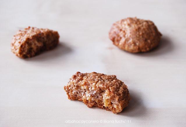 Hazelnut marzipan cookies