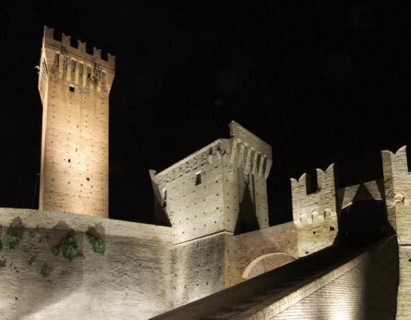 http://fototanoni.webdream.it/gallerie/eventi/47/max/castello%2010%20Web.jpg