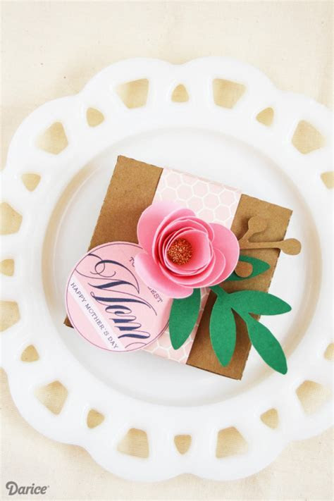 DIY Necklace With Free Gift Box Printables   Darice