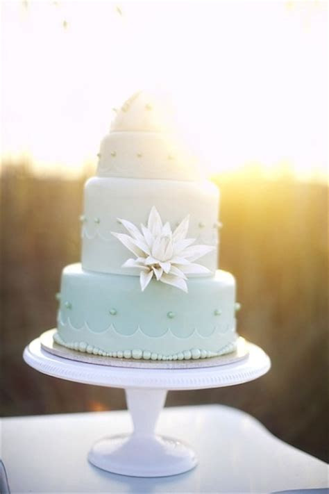 Sea Shell Wedding Cakes Are A Perfect Fit For A Beach
