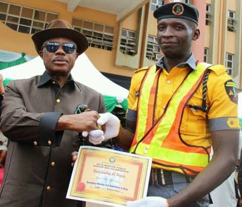 Obiano Rewards Hardworking Traffic Warden, 34 Others
