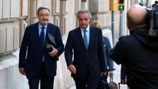 Narcís Serra, expresident de CatalunyaCaixa, i l'advocat Pau Molins arriben a l'Audiència de Barcelona, on es fa el judici pelss sobresous de l'entitat (ACN)