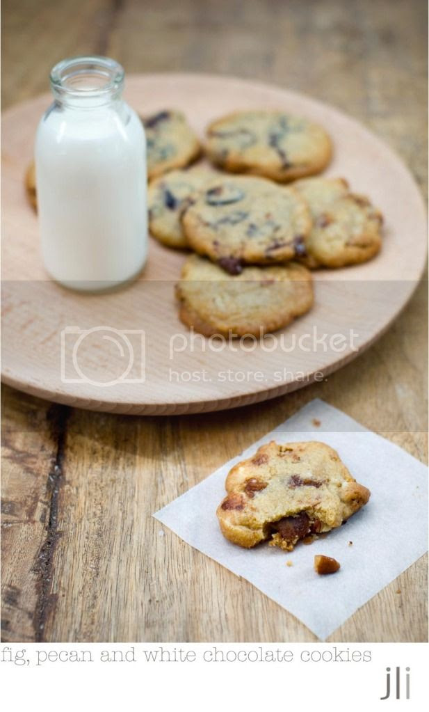 fig, white chocolate and pecan cookies