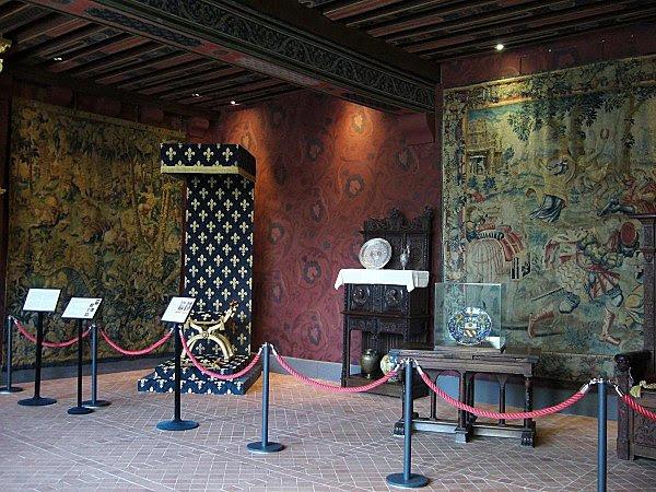 salle des gardes de la Reine III