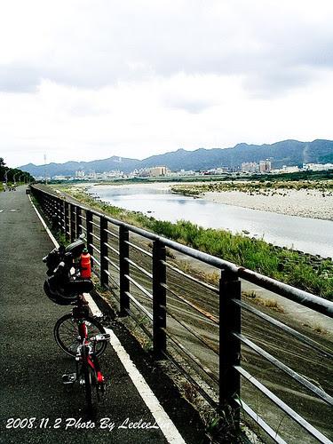 環河單車道。新莊河濱自行車道⇢八里左岸自行車道|騎小折去淡水