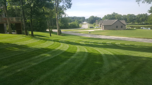 Lawn Care Service. Warsaw, Indiana! -