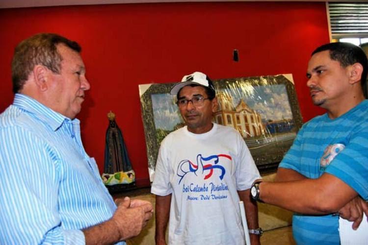Em reunião com Mestre Dedé e Aldair, prefeito Jaime Calado garante R$ 6 mil para grupos