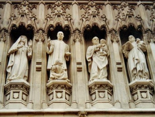 File:Westminster Abbey C20th martyrs.jpg