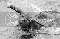 Una travesía a nado desde Ons a Vigo, su última odisea. / R. Grobas