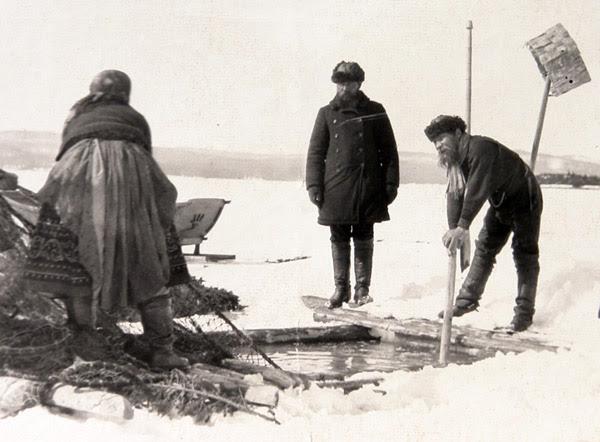 Рыбалка, зимняя рыбалка, как ловили рыбу, чем ловили рыбу, подледный лов, ловля неводом,  ловля рыбы в старину, чем в старину ловили рыбу, ловись рыбка, удочка для ловли, невод для ловли
