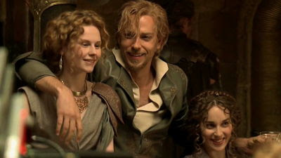 http://vignette3.wikia.nocookie.net/marvelcinematicuniverse/images/f/f3/Fandral_girls.jpg/revision/latest?cb=20140315185326