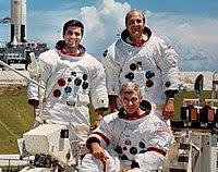 Esq. p/ dir: Schmitt, Evans e Cernan (sentado)