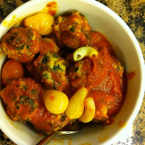 Spinach herb turkey meatballs with roasted tomatoes & red pepper sauce