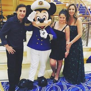 Tom Cavalcante com a mulher, Patrícia, e a filha, Maria (Foto: Reprodução/Instagram)